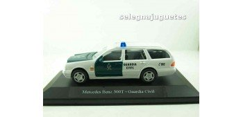Mercedes Benz 300T Guardia Civil (vitrina) escala 1/43 Cararama