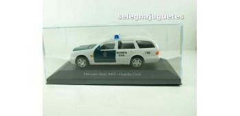 coche miniatura Mercedes Benz 300T Guardia Civil (vitrina)