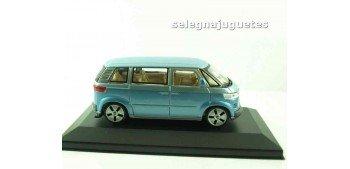 Volkswagen Microbus 2001 azul (vitrina) Furgoneta escala 1/43 Cararama