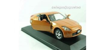 Nissan Fairlady Z 2003 (vitrina) escala 1/36 - 1/38