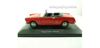 lead figure Peugeot 404 cabriolet (showbox) escala 1/36 - 1/38