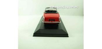 coche miniatura Peugeot 404 cabriolet (vitrina) escala 1/36 -