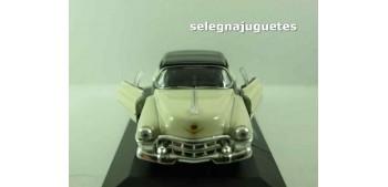 coche miniatura Cadillac Eldorado 1953 (vitrina) escala 1/36 -