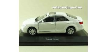 miniature car Toyota Camry (showbox) escala 1/36 - 1/38