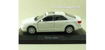 Toyota Camry (showbox) escala 1/36 - 1/38