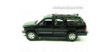 Chevrolet 01 Suburban escala 1/39 welly