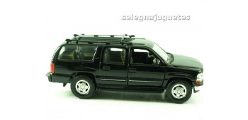 Chevrolet 01 Suburban escala 1/39 welly