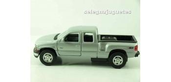 miniature car Chevrolet 99 Silverado scale 1/39 welly