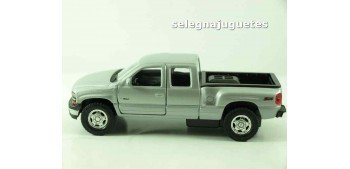 Chevrolet 99 Silverado escala 1/39 welly