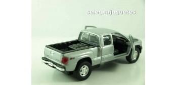 Chevrolet 99 Silverado scale 1/39 welly
