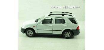 Mercedes Benz Clase M scale 1/39 welly