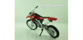 moto miniatura Honda CR250 escala 1/18 Welly moto