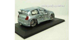 Renault Clio (Injen) escala 1/32 Saico coche miniatura metal