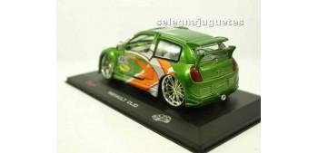 miniature car Renault Clio (Apc) escala 1/32 Saico
