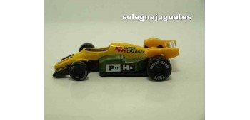 Coche tipo Formula 1 amarillo (sin caja)