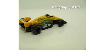 coche miniatura Coche tipo Formula 1 amarillo (sin caja)