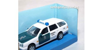 coche miniatura Mercedes Benz 300T Guardia Civil escala 1/43