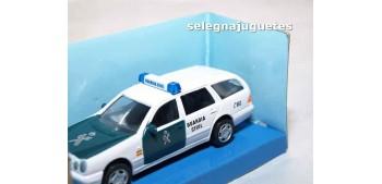 coche miniatura Mercedes Benz 300T Guardia Civil escala 1/43