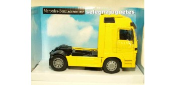 Mercedes Benz Actros 1857 cabeza tractora 1/32 New Ray