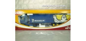 Renault Magnum Michelin trailer 1/50 Joal