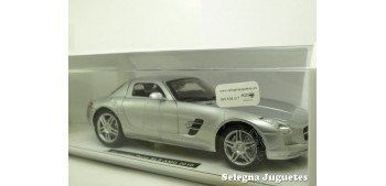 Mercedes Benz SLS AMG 2010 gris escala 1/24 New Ray coche