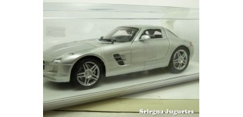 Mercedes Benz SLS AMG 2010 gris escala 1/24 New Ray coche escala miniatura