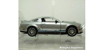 Shelby GT500 2007 Plata 1/24 Yat ming coche escala miniatura