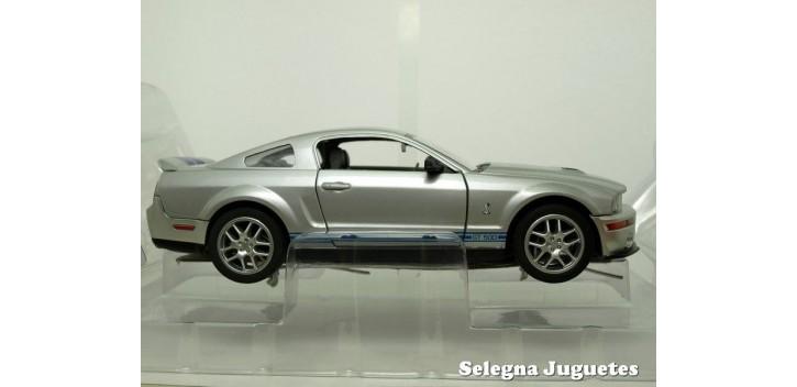 maquetas de coches Shelby GT500 2007 Plata 1/24 Yat ming coche