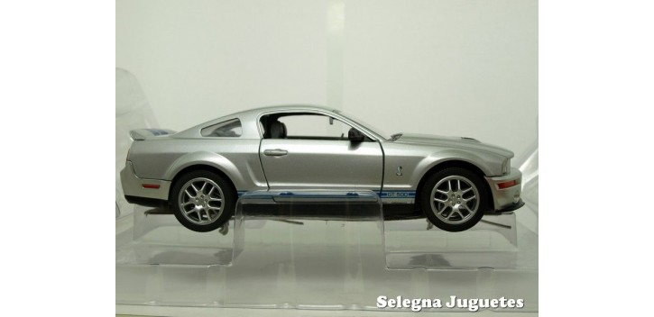 Shelby GT500 2007 Plata 1/24 Yat ming
