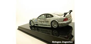 coche miniatura MERCEDES BENZ CLK DTM 2000 M. TIEMANN Nº 18 -