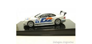 coche miniatura MERCEDES BENZ CLK DTM 2001 THOMAS JAGER Nº 14 -