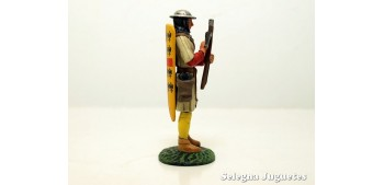 BALLESTERO GENOVES SIGLO XIV SOLDADO PLOMO 54 mm escala 1/32