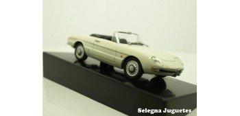 ALFA ROMEO SPIDER 1600 DUETTO 1966 - 1/43 COCHE METAL