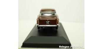coche miniatura Vauxall Victor 1/43 Vanguards coche metal