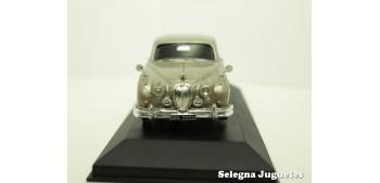 coche miniatura Jaguar MK II 1/43 Vanguards coche metal