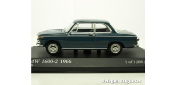 Bmw 1600-2 1966 scale 1:43 Minichamps miniature car