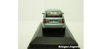 Audi A2 gris scale 1/43 Minichamps miniature car