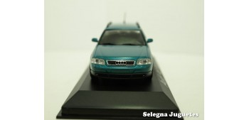 Audi A6 Avant azul scale 1:43 Minichamps miniature car