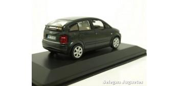 coche miniatura Audi A2 escala 1/43 Minichamps