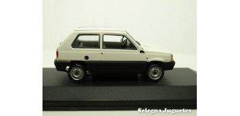 Fiat Panda 34 escala 1/43 Minichamps coche miniatura metal
