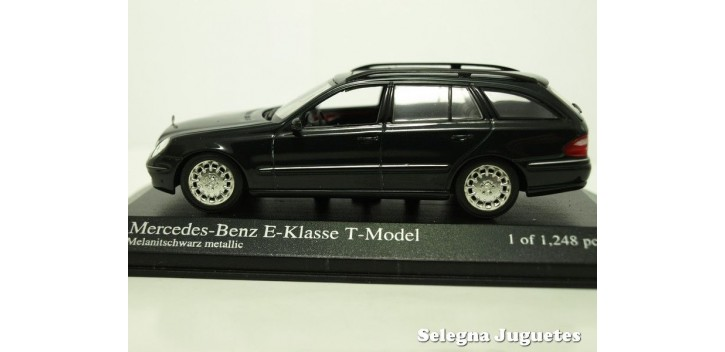 coche miniatura Mercedes Benz clase E modell T escala 1/43