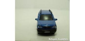 coche miniatura Mercedes Benz Clase M escala 1/72 Cararama sin