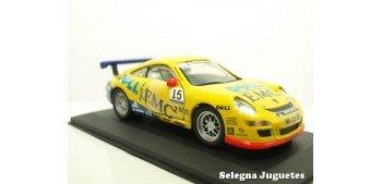 Porsche 911 GT3 Mobil 1 Super Cup Huisman escala 1/32 Saico