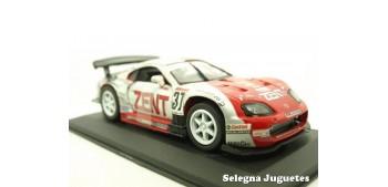 Toyota Supra JGTC nº 37 Zent escala 1/32 Saico coche miniatura metal