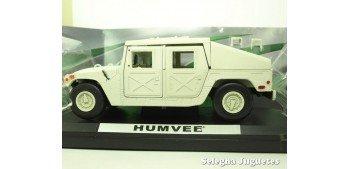 Humvee camuflaje decoracion desierto escala 1/24 motor max