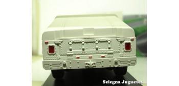 coche miniatura Humvee camuflaje decoración desierto escala
