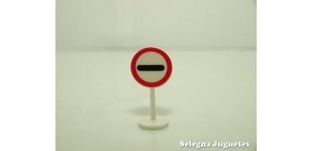Prohibición de pasar sin detenerse señal trafico escala 1/43 cararama