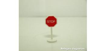 lead figure Stop señal trafico escala 1/43 cararama coche metal