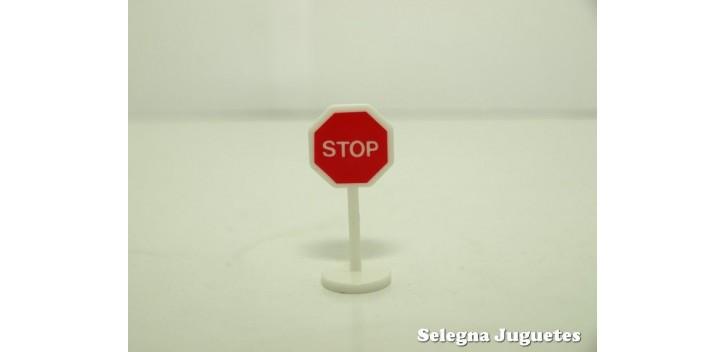 Stop señal trafico escala 1/43 cararama coche metal miniatura