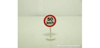 Limite 50 km/h señal trafico escala 1/43 cararama coche metal miniatura